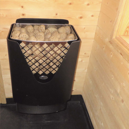 Misa ACE med 38 kg Kerkes keramiska bastusten. ACE har en hetare zon i bakre del för snabb respons, en främre zon för långsam förångning.