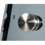 Bastudörr 70x200 cm med naturanodiserad Aluminiumkarm, Klarglas, svart knopphandtag i trä