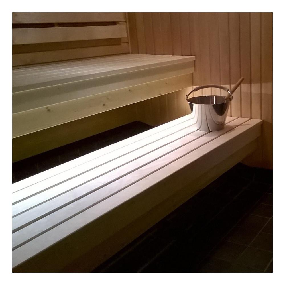 LED-list under bastulav i offentlig bastu
